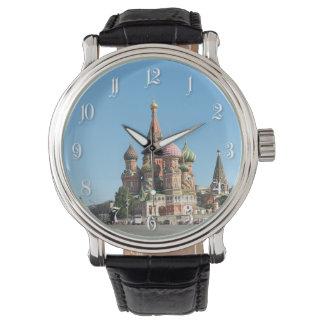 Catedral de St.Basil en Moscú Reloj