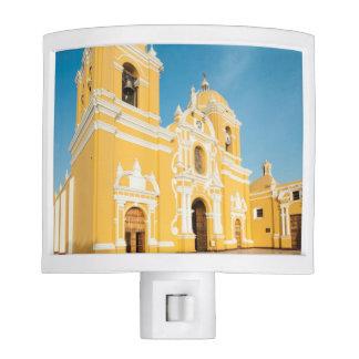 Catedral de Trujillo, Trujillo, Perú Luz De Noche