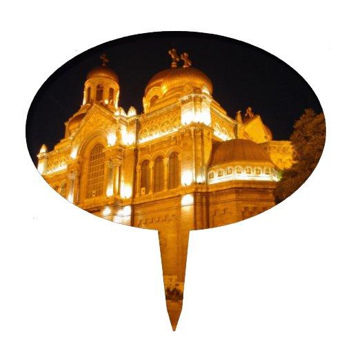 Catedral de Varna en la noche Figuras De Tarta