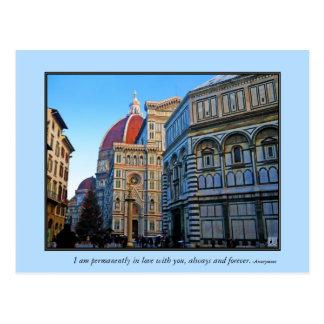 Catedral del Duomo de Florencia con cita del amor Tarjetas Postales