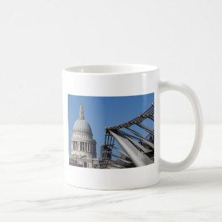 Catedral del puente y del St Pauls del milenio Taza De Café