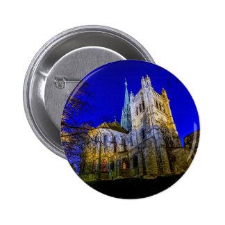 Catedral del Saint Pierre en Ginebra, Suiza Pin Redondo De 2 Pulgadas