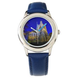 Catedral del Saint Pierre en Ginebra, Suiza Reloj