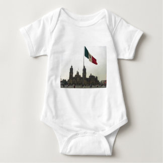 Catedral en el Zocalo del DF con la Bandera Baby Bodysuit