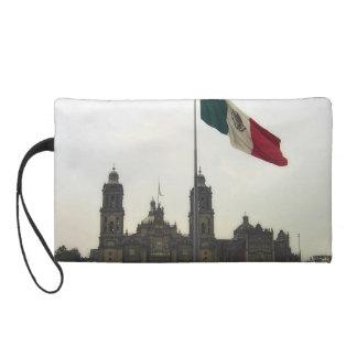 Catedral en el Zocalo del DF con la Bandera Mexica Wristlet