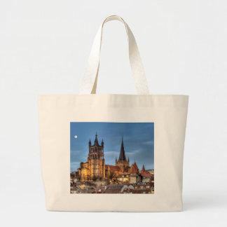 Catedral Notre Dame de Lausanne, Suiza, HDR Bolsa Tela Grande