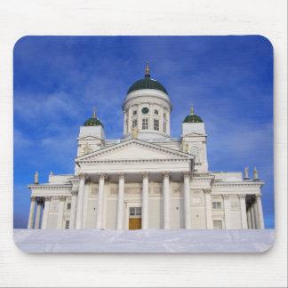 Catedral Tuomiokirkko de Helsinki en el invierno M Tapete De Ratón
