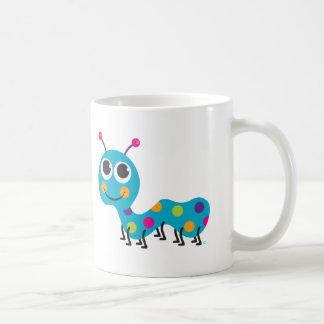 Caterpillar asalta taza de café