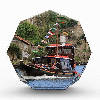 Catraios hace el barco del Duero, Oporto, Portugal