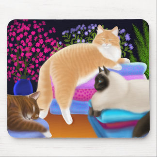 Cats Love Fresh Laundry Mousepad