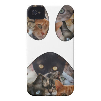 Cats Paw iPhone 4 Cover