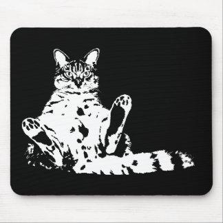 Cattitude un gato con actitud. Divertido Alfombrillas De Ratones