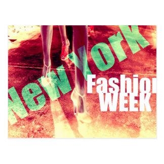 Catwalk - Fashion Week en Nueva York City Tarjetas Postales