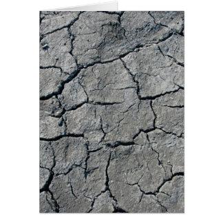 Cauce del río secado fango tarjeton