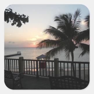 Cave Beach Mo Bay Jamaica de la puesta del sol del Pegatina Cuadrada