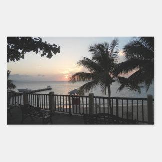 Cave Beach Mo Bay Jamaica de la puesta del sol del Pegatina Rectangular