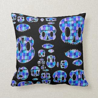 caveirinha almofada throw pillow