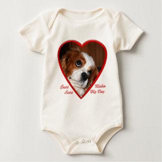 cavi_love_1010_heart baby bodysuit