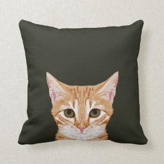 Caza - almohada linda del gato de tabby para los