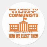 Cazábamos a comunistas ahora que los elegimos etiqueta redonda