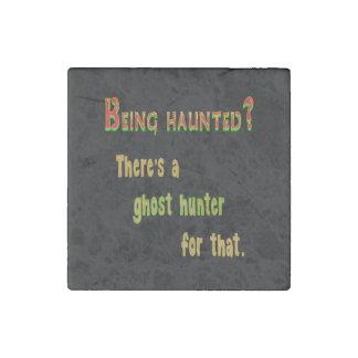 Cazador App del fantasma para ese (fondo negro) Imán De Piedra