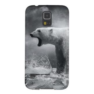 Cazador blanco del oso polar en el hielo en agua carcasa de galaxy s5