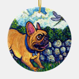 Cazador de la libélula adorno navideño redondo de cerámica