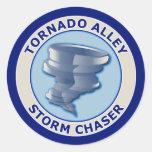 Cazador de la tormenta del callejón de tornado pegatinas redondas