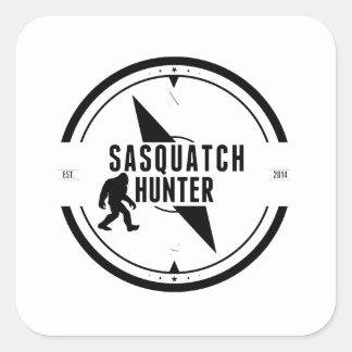 Cazador de Sasquatch Calcomanía Cuadrada Personalizada