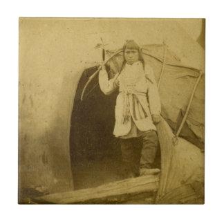 Cazador de Siux con el arco por el pis de la camis Azulejo Cuadrado Pequeño