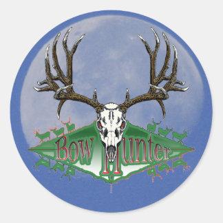 Cazador del arco del ciervo mula pegatina redonda