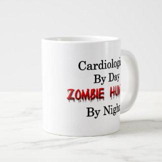 Cazador del cardiólogo/del zombi taza de café grande
