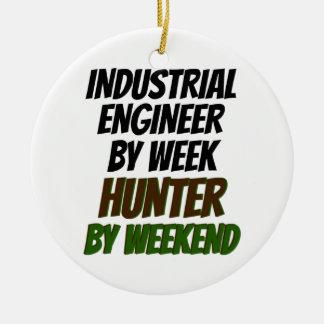 Cazador del ingeniero industrial adorno navideño redondo de cerámica