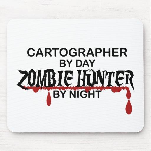 Cazador del zombi del cartógrafo alfombrillas de ratón