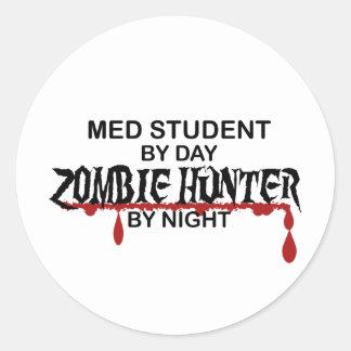 Cazador del zombi del estudiante del MED Pegatina Redonda