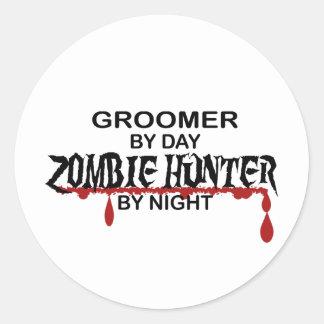 Cazador del zombi del Groomer Pegatina Redonda