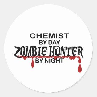 Cazador del zombi del químico pegatina redonda