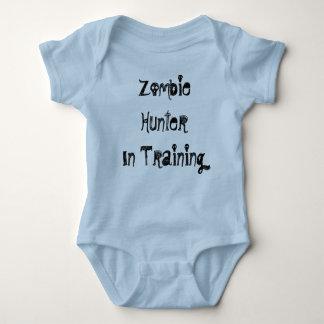 Cazador del zombi en el entrenamiento t shirt