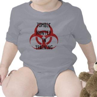 Cazador del zombi en enredadera del entrenamiento camisetas