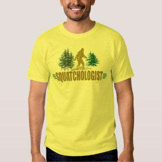 Cazador divertido de Sasquatch Camisas