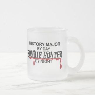 Cazador importante del zombi de la historia taza de cristal