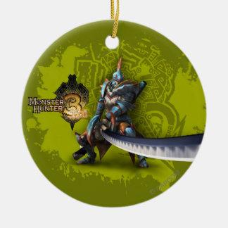 Cazador masculino con la espada y la armadura adorno navideño redondo de cerámica
