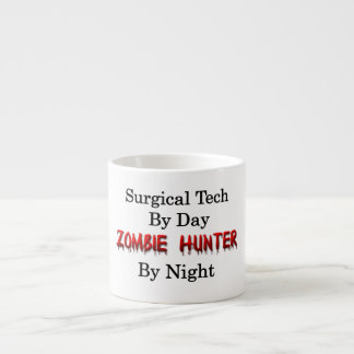 Cazador quirúrgico de la tecnología/del zombi taza espresso