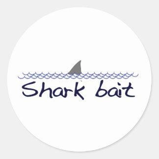 Cebo del tiburón pegatina redonda
