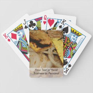 Cebollas y comida asadas a la parrilla de la calab baraja cartas de poker