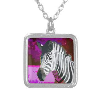 Cebra de neón púrpura rosada colorida collar plateado
