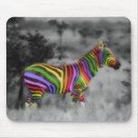 Cebra del arco iris alfombrillas de ratones
