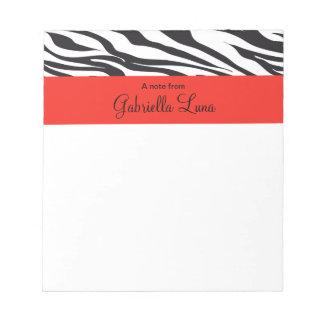 Cebra rayada con la libreta personalizada rojo bloc de papel