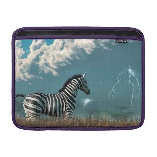 Cebra y tormenta inminente fundas MacBook