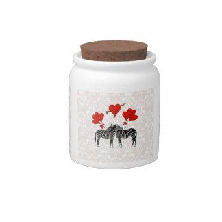 Cebras y corazones en el damasco rosado jarra para caramelo